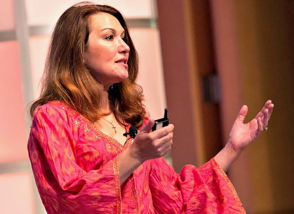 Beeseeq CEO Lisa Hammitt speaking